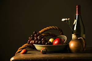 Pictures Still-life Wine Grapes Strawberry Fruit Bottle Pitcher Food