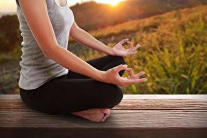 Fonds d'écran Position du lotus Main Yoga S'asseyant meditation Filles