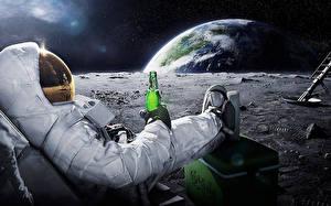Bilder Raumfahrer Erde Flasche Humor