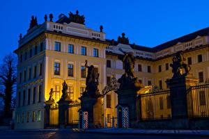 Image Prague Czech Republic Castle Sculptures Night Fence Prague Castle Cities