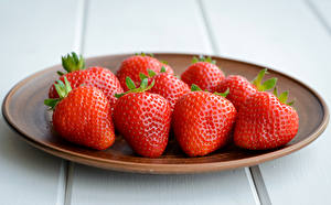 Pictures Strawberry Closeup Plate Food