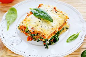 Bilder Die zweite Gerichten Lasagne Teller Lebensmittel