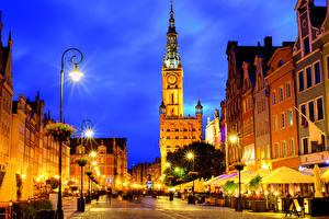 Wallpaper Poland Houses Gdańsk Street Night time Street lights Cities