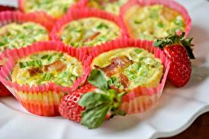 Hintergrundbilder Erdbeeren Backware Nahaufnahme Muffin das Essen