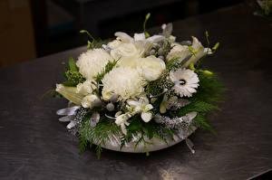 Hintergrundbilder Sträuße Rose Dahlien Chrysanthemen Lilien Weiß Blumen