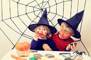 Bakgrunnsbilder Halloween To 2 Gutter Jenter Hatt Edderkoppsilke Barn