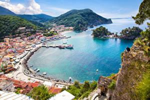Bilder Griechenland Küste Gebäude Bootssteg Gebirge Von oben Parga port Städte