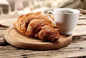 Hintergrundbilder Nahaufnahme Croissant Tasse das Essen