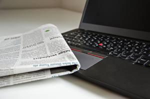 Fotos Zeitung Notebook