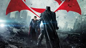 Bakgrunnsbilder Batman superhelt Supermann helten Batman v Superman: Dawn of Justice Menn Henry Cavill Ben Affleck To 2 Kappe plagg Film Kjendiser