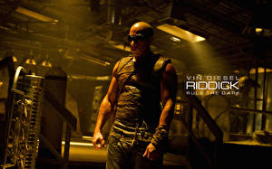 Bakgrundsbilder på skrivbordet Vin Diesel Riddick 2013 En man Filmer Kändisar