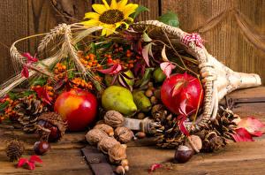 Bilder Herbst Äpfel Nussfrüchte Birnen Beere Blattwerk Zapfen Ähre Lebensmittel