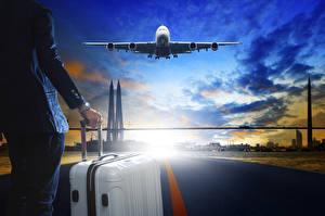 Bilder Flugzeuge Verkehrsflugzeug Abend Himmel Flug Koffer Tourismus Luftfahrt