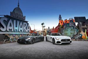 Bilder Mercedes-Benz Zwei Cabrio Roadster 2016 AMG GT Roadster