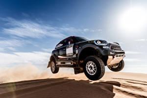 Desktop hintergrundbilder Mini Himmel Wüste Graues Sprung Sand 2017 John Cooper Works Rally automobil