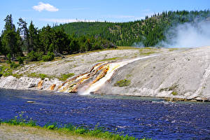 Fotos USA Park Flusse Wälder Yellowstone Firehole River Natur
