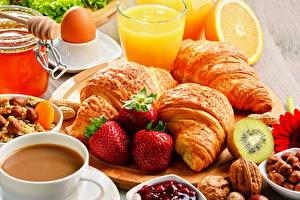 Hintergrundbilder Stillleben Kaffee Croissant Erdbeeren Saft Trinkglas Frühstück