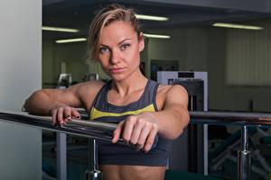 Hintergrundbilder Fitness Starren Hand Mädchens Sport