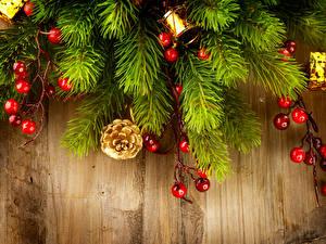 Bilder Feiertage Neujahr Beere Ast Bretter