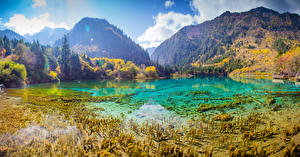 Sfondi desktop Cina Parchi Montagne Lago Foresta Autunno Paesaggio Valle del Jiuzhaigou Valley Natura