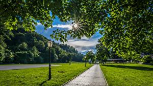 壁纸、、クロアチア、公園、ザグレブ、街灯、光線、草、歩道、Samobor、自然