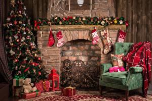 Hintergrundbilder Neujahr Feiertage Cheminée Christbaum Socken Sessel Geschenke