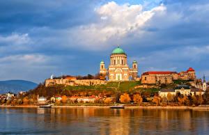 Fotos Ungarn Gebäude Tempel Flusse Himmel Herbst Esztergom Städte