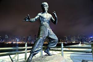 Bilder Denkmal Skulpturen Bruce Lee Hongkong China Prominente