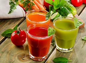 Picture Juice Tomatoes Highball glass Three 3 Wood planks Food