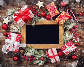 Hintergrundbilder Feiertage Neujahr Vorlage Grußkarte Ast Geschenke Schleife Kugeln