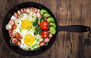 Bilder Gemüse Wurst Spiegelei Bretter Pfanne Frühstück