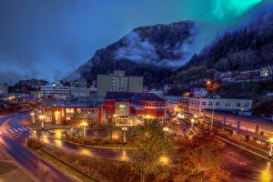 Bilder USA Gebirge Haus Alaska Nacht Straßenlaterne Juneau