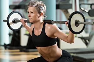 Fotos Fitness Hantelstange Trainieren Mädchens