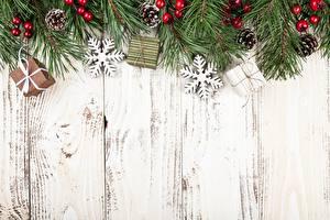 Hintergrundbilder Neujahr Feiertage Ast Bretter Schneeflocken Zapfen Vorlage Grußkarte