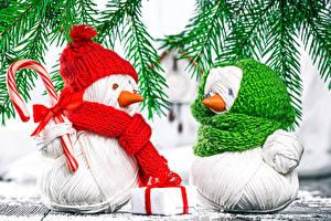 Fotos Neujahr Schneemänner Zwei Geschenke Ast