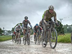 Fotos Mann Fahrrad Schlamm Helm Radrennen CONE-AZALIA DIRT ROAD RACE sportliches
