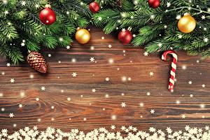 Fotos Neujahr Ast Kugeln Zapfen Schneeflocken Vorlage Grußkarte