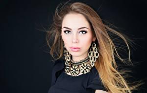Bilder Haar Blick Ohrring Make Up Model Hübscher Mädchens