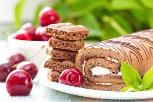 Bilder Backware Süßware Schokolade Kirsche Roulade