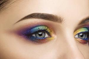 Hintergrundbilder Augen Wimper Hautnah Makrofotografie Mehrfarbige Schminke Schön Mädchens