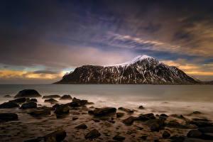 Bilder Lofoten Norwegen Abend See Steine Himmel Gebirge Skagsanden Beach Natur