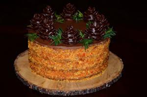 Fotos Süßigkeiten Torte Schokolade Schwarzer Hintergrund Design Lebensmittel