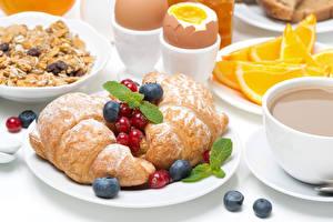 Hintergrundbilder Croissant Beere Frühstück Teller Ei