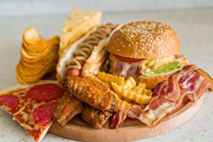 Bilder Fast food Hamburger Pizza Hotdog Fleischwaren Kartoffelchips