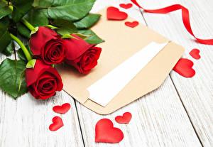 Bilder Valentinstag Rose Bretter Rot Drei 3 Herz Brief Blüte Blumen