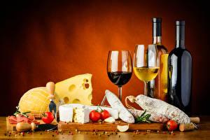 Fotos Wein Käse Wurst Stillleben Tomate Flasche Weinglas