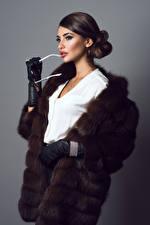 Image Fur coat Glove Eyeglasses young woman