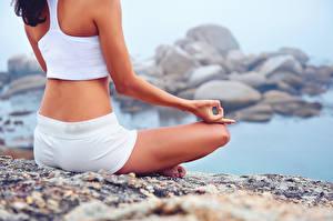 Fonds d'écran Position du lotus Yoga S'asseyant Filles