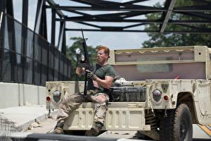 Pictures The Walking Dead TV Men Assault rifle Michael Cudlitz film