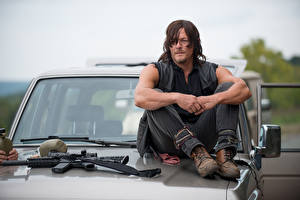 Images The Walking Dead TV Man Norman Reedus Sitting Celebrities